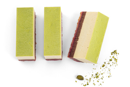 Dessert Nr. 3 Pistazie Sauerkirsch - Bonnevit Feinbäckerei